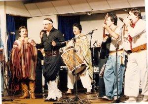 """Grupo Cigarra- Fercapo 1986- Cascavel- cantando """"Ventania"""" a grande campeã do Festival"""
