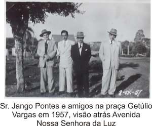 Praça Getúlio Vargas e Avenida em 1957